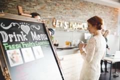 Barkeeper bei einer Hochzeit